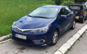 Toyota Corolla informacije i rezervisanje