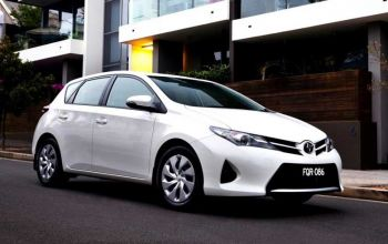 NEW VEHICLE IN OFFER - TOYOTA AURIS