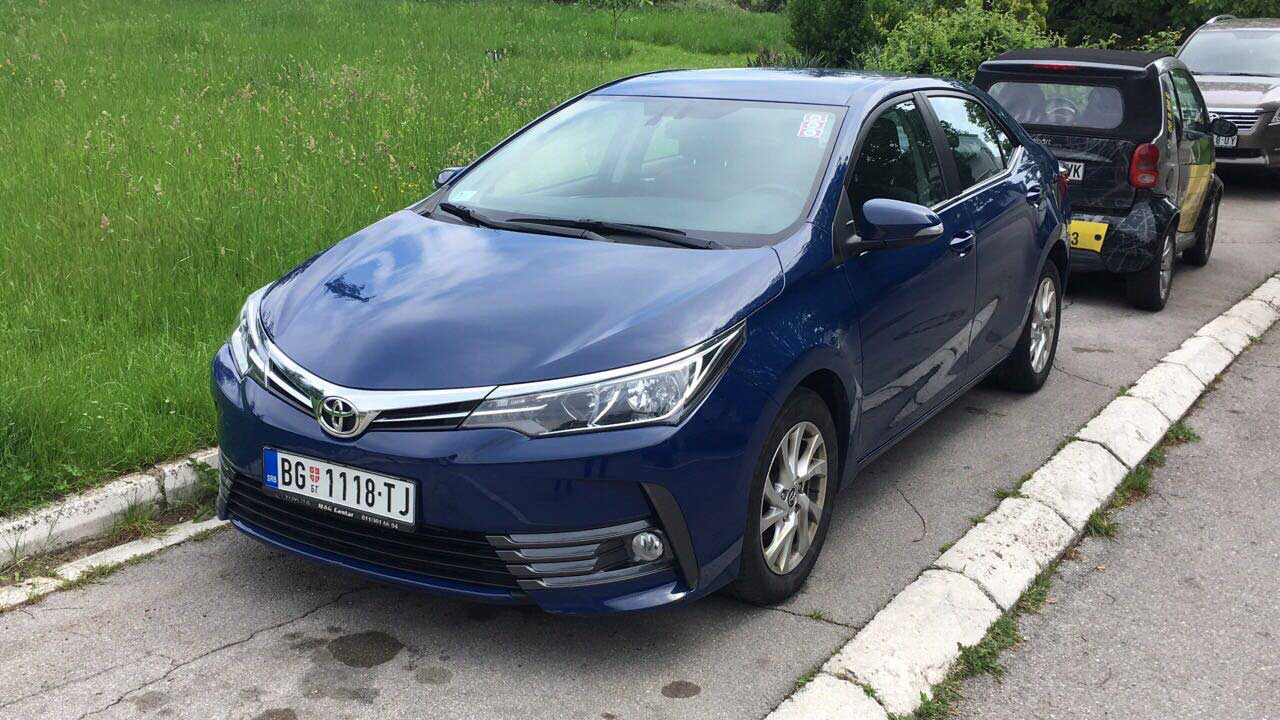 Toyota Corolla 16 automatic Front Easy Rent A Car Beograd